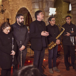 Esmeralda, Jesus, Juan Gabriel (compañero de Pedro), Beltrán y Sara