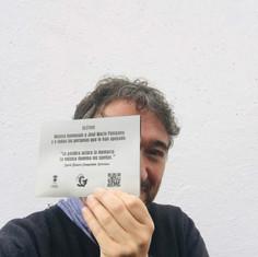 Placa con código QR
