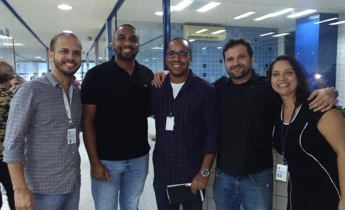 (Da esq para dir.): Prof. Marcus, o ex-aluno Bruno Andrade, Prof. Dayo, Prof. Sergio e Prafª Helba.
