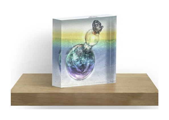 Solid free-standing acrylic block for desk, table top or shelves