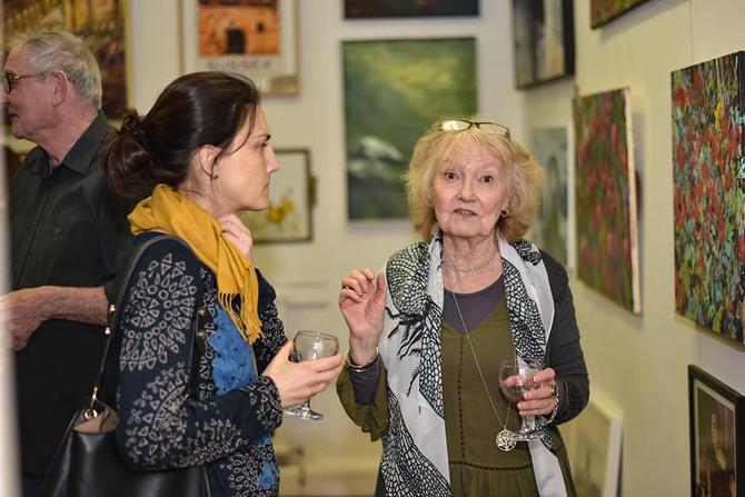 Local arts and crafts in Dartford* Świąteczna wyprzedaż rękodzieła w Dartford