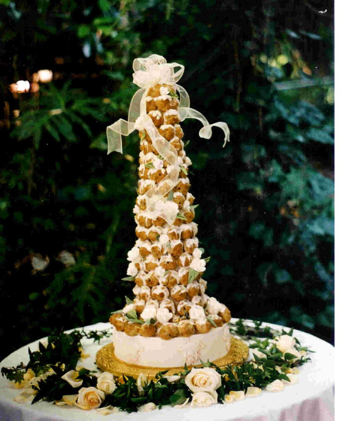 French Croquembouche