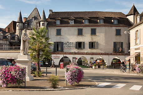 hotel beaulieu-sur-dordogne rocamadour padirac collonges-la-rouge corrèze lot perigord charme historique design VRP soirée étape