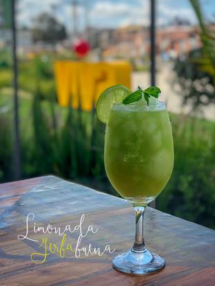 Limonada especial Yerbabuena