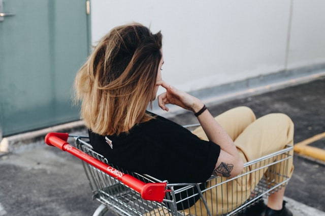 Tips to avoid and overcome buyer's remorse (regret shopping)