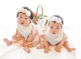 babyphoto7mtwins.jpg