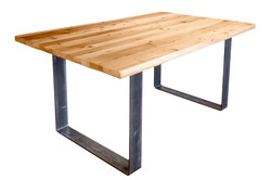 TABLE À DÎNER EN BOIS DE GRANGE