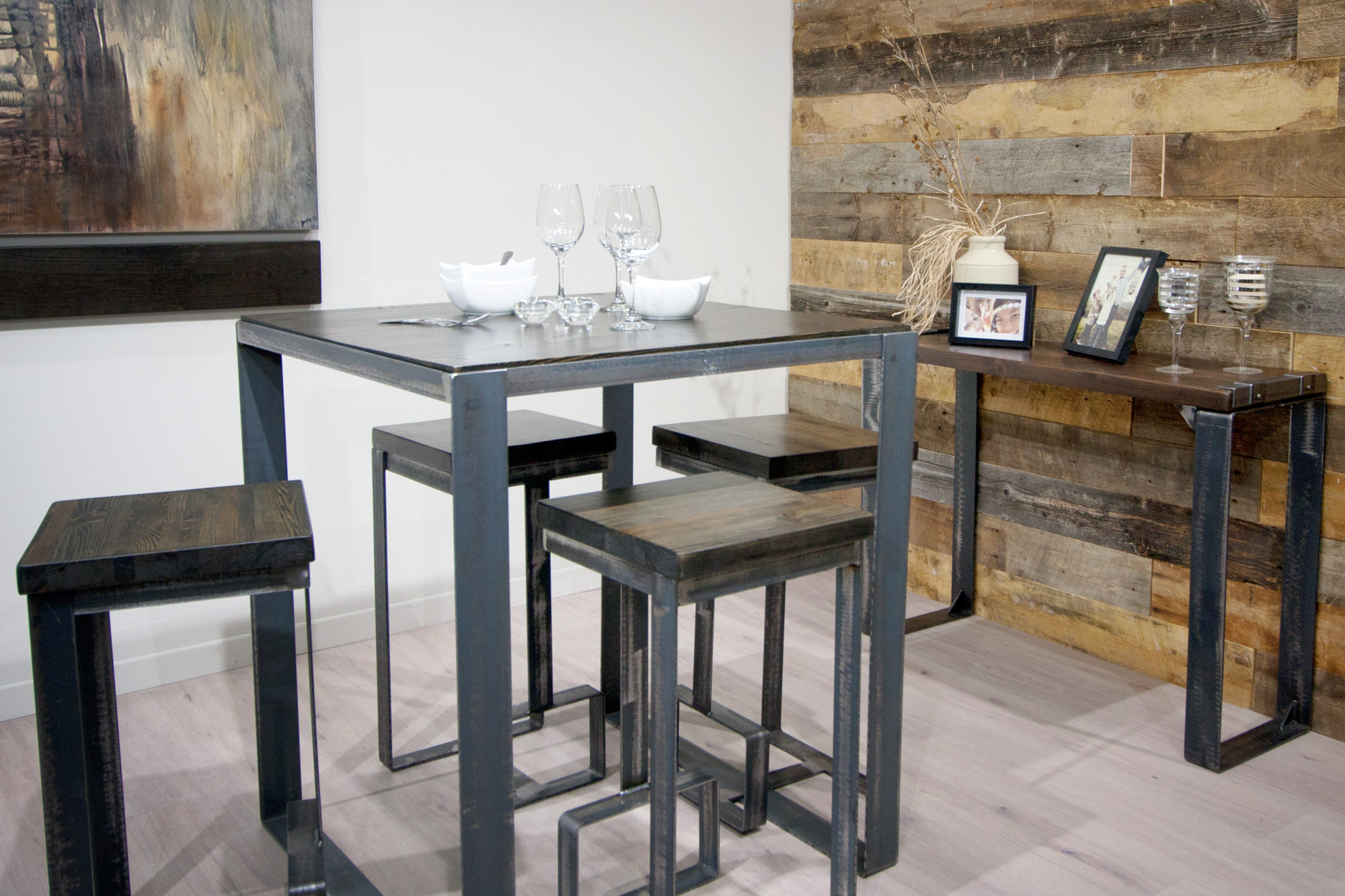 BISTRO TABLE AND HIGH STOOLS