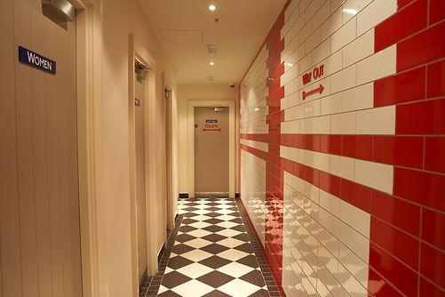 toilets049.jpg