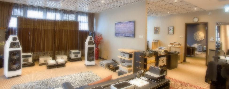 showroom_resize.jpg