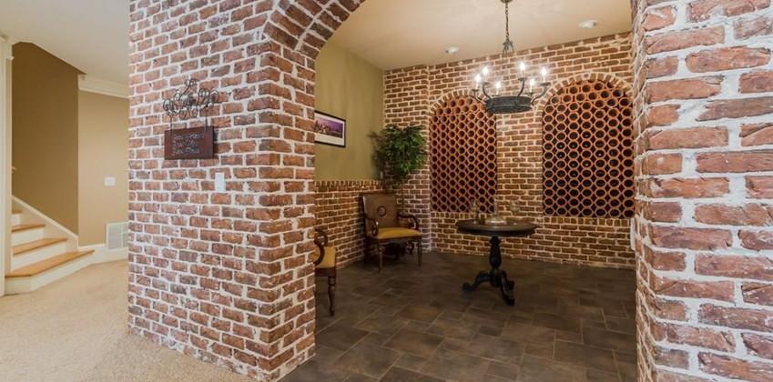 WineroomKaren.jpg
