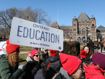 Poll suggests most Ontarians want teachers to accept the Ford government's offer