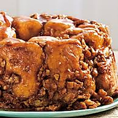 Caramel Pecan Praline Monkey Bread