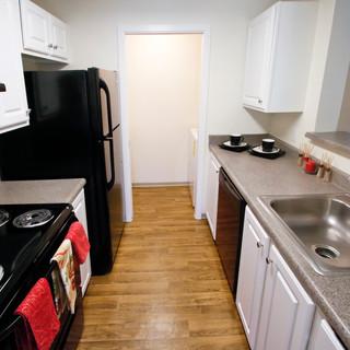 7 -1BR Kitchen(11).jpg