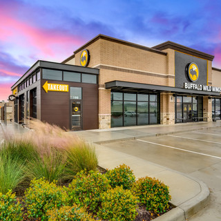 Commercial Real Estate Buffalo Wild Wings Exterior