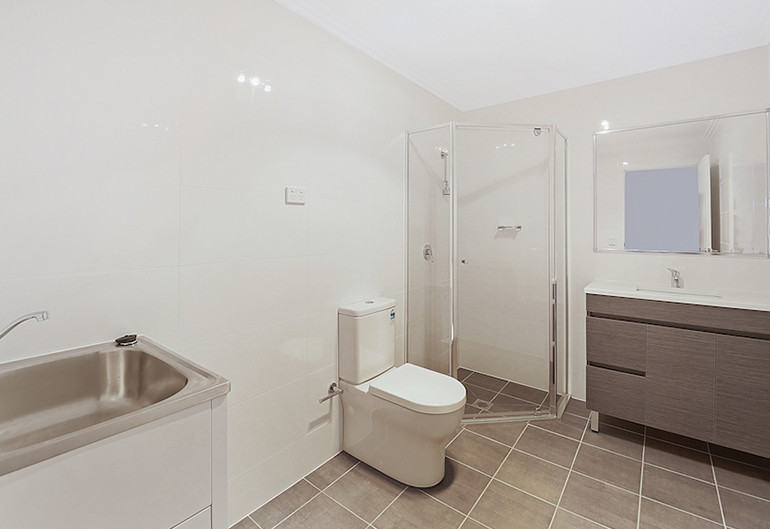 oran_park_bathroom.jpg