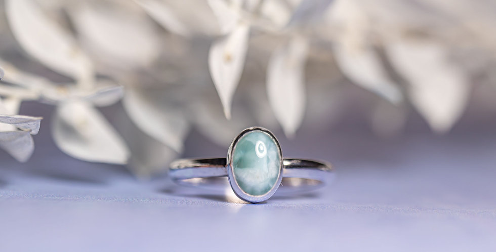 Lovely oval Larimar ring - size P 1/2