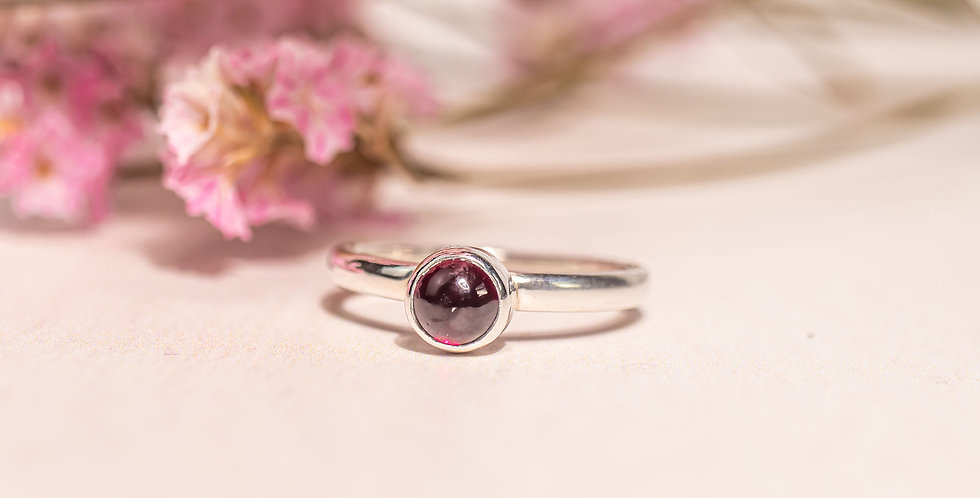 Dark red Garnet ring - Size L 1/2