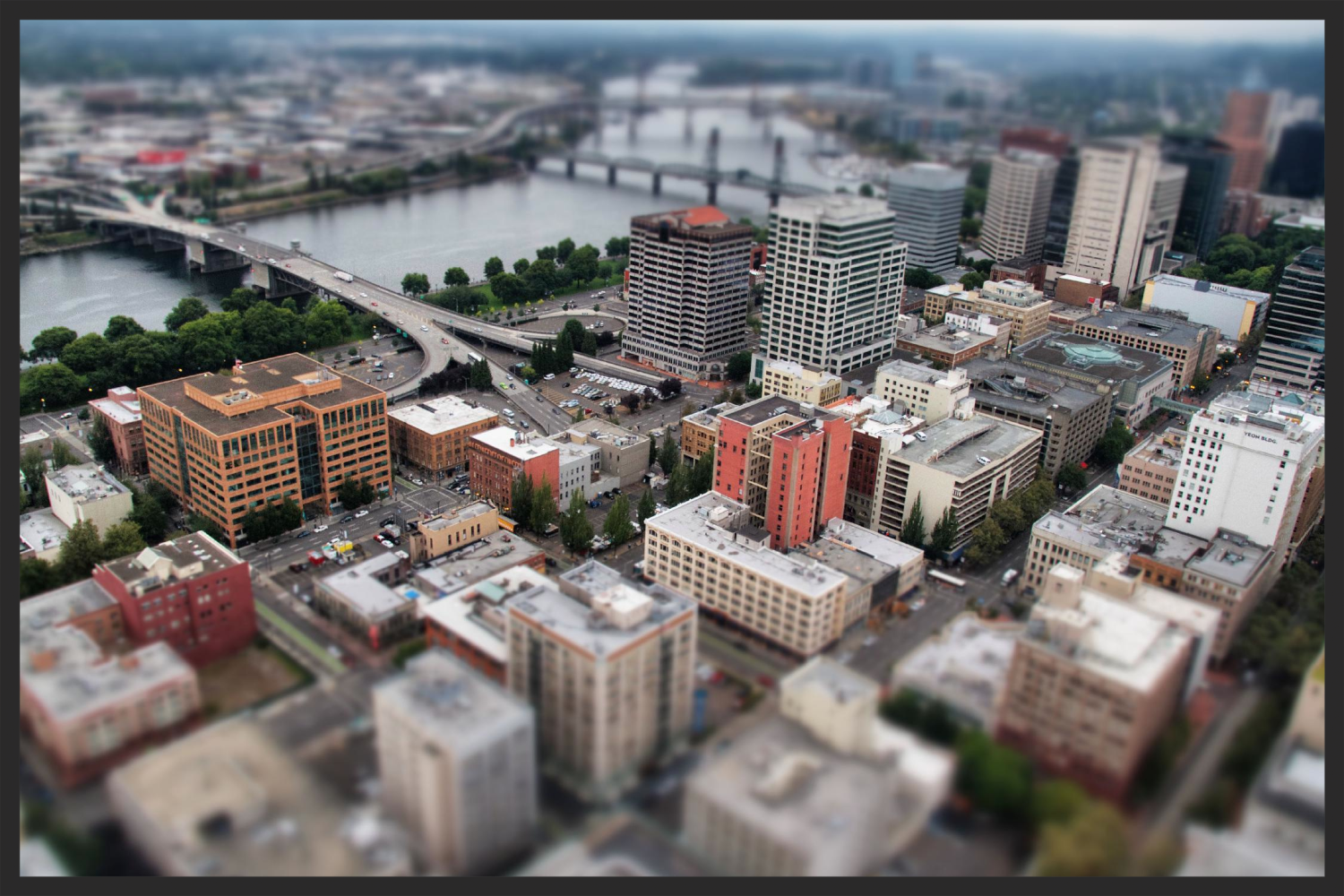 pdx-tilt-shift.jpg 2013-10-2-12:18:36