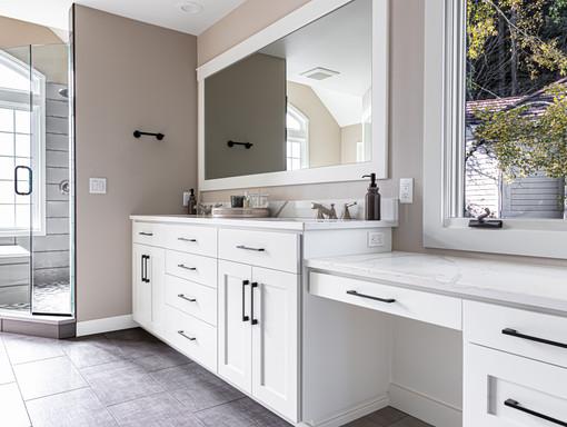 Bathroom Suite Cabinets