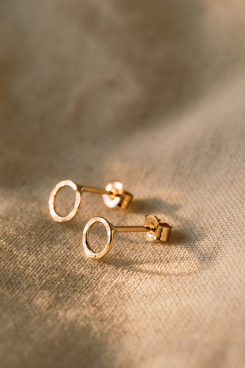 The Recycled Solid Gold Hammered Circle Studs