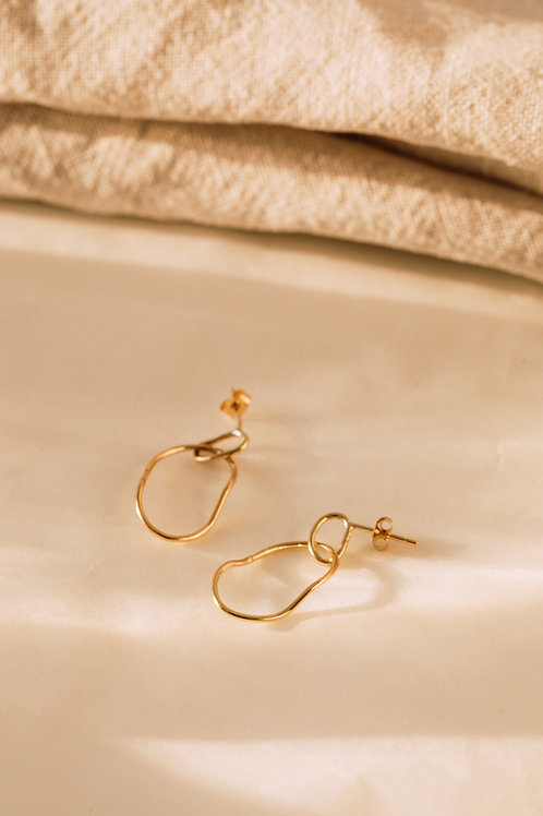 The Recycled Solid Gold Abstract Wire Hoops