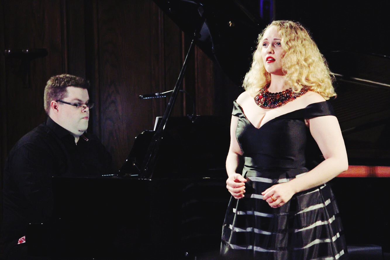 Danika Lorèn in recital