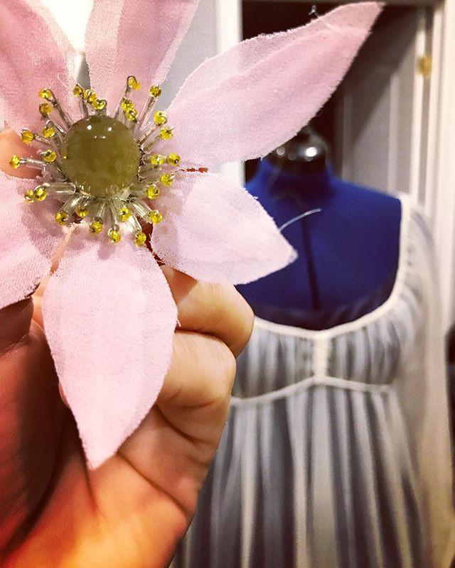 Hand-made flowers tie the Ophelia lieder and Mädchenblumen lieder together.
