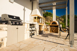 Summer kitchen, BBQ's and Pizza Oven