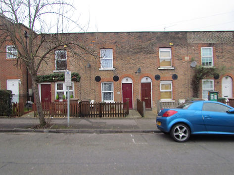 31 Lind Rd - Front of House 2.JPG