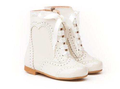 Angelitos Part Patent Boots