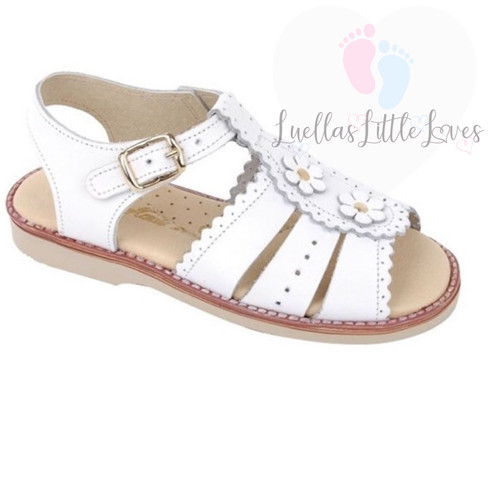 a267da174f2 Girls Traditional Shoes