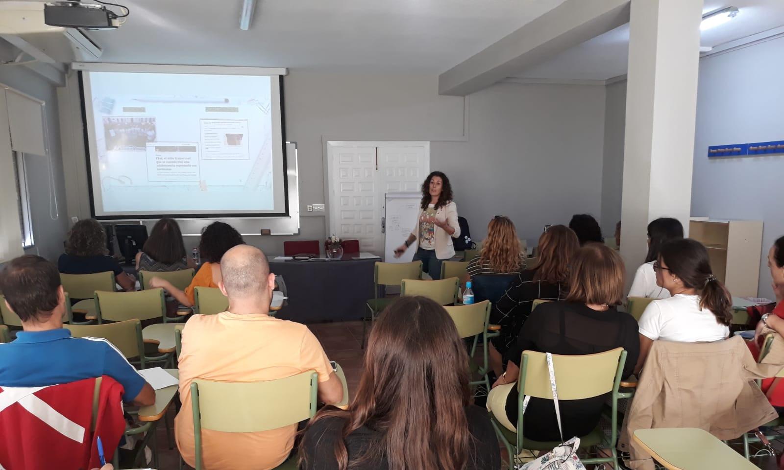 Charla a profesorado y familias del CEIP Nuestra Señora del Carmen (Cuevas del Almanzora)