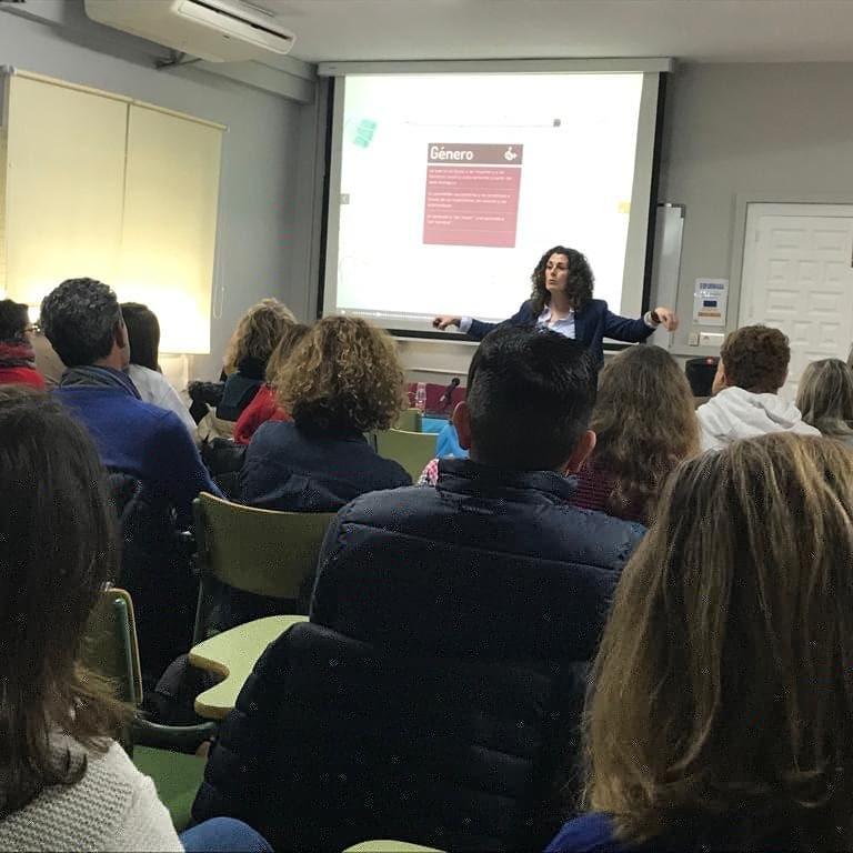 Formación al profesorado y familias en el CEP Cuevas-Olula
