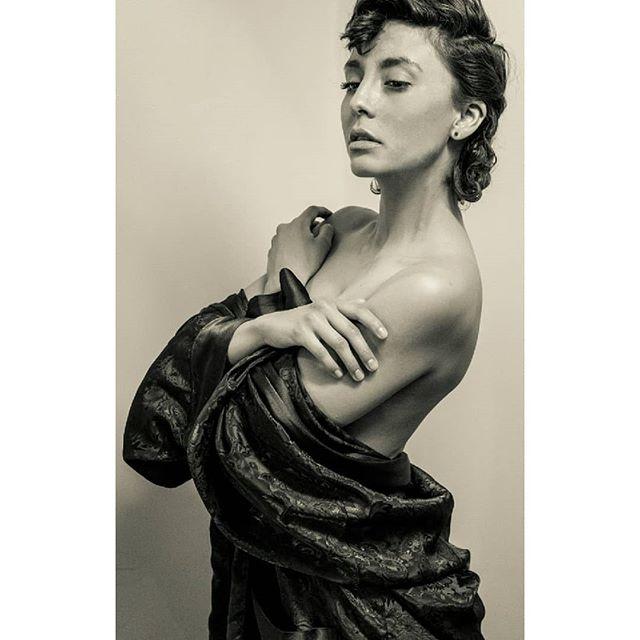 Women are beauty.  And beauty is Art. _Robe_ _victoriassecret_Model_ _frida