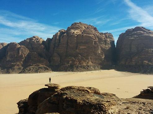 Hiking in the Beatifull landscape of Wadi Rum, Judan.