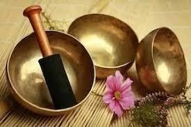 Un voyage intérieur inoubliable avec le massage aux bols chantants