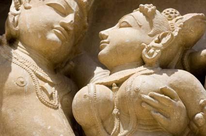 Intégrer le tantra dans son couple par le massage tantrique : expérimenter la plénitude