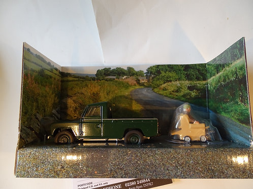 Last of the Summer Wine Landrover and Compo Figure