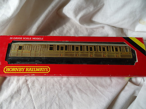 Hornby 00 Gauge R436 LNER Coach Brake Composite