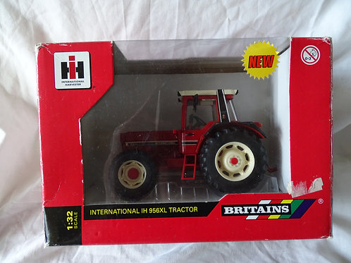International Harvester 956XL 2WD Tractor - Britains