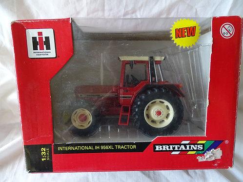 International IH 956XL Tractor - Britains
