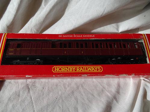 Hornby 00 Gauge R448 BR (Ex LNER) Brake Composite Coach