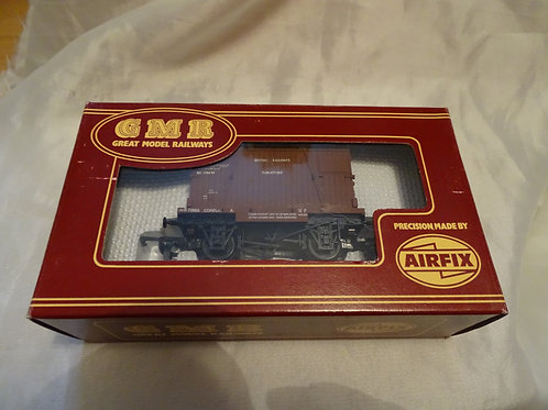BR Conflat and Container wagon by GMR, Airfix. 54332-1