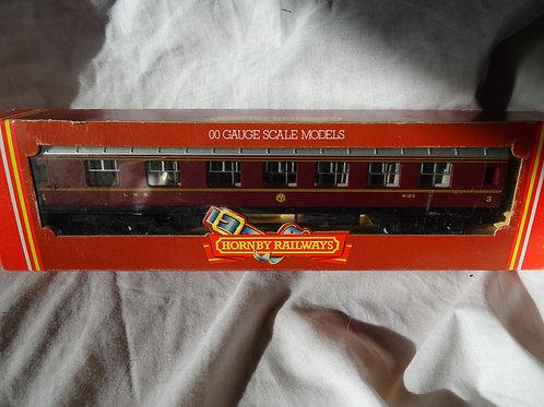 Hornby 00 Gauge R474 LMS Composite Coach