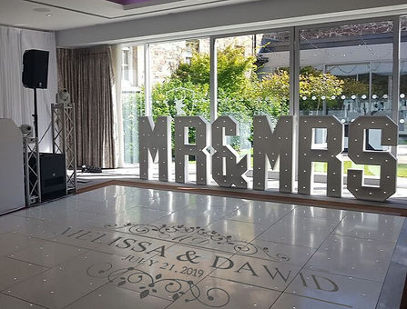mr and mrs letters at wedding reception