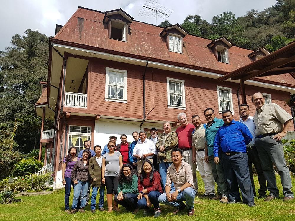 Asistentes a la Celebración Día de San Rafael Arcángel, patrono de la finca
