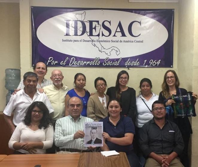 Personal de IDESAC,  Melanie Huber y Lila Icks, de Entre Mundos