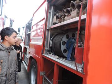 Я б в пожарные пошёл