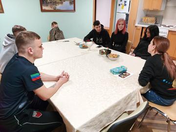 """Продолжается серия встреч родительского центра """"Подсолнух"""" с нашими старшеклассниками ."""
